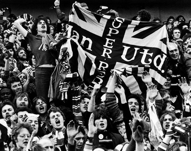 Blackpool-man utd divison two 1974