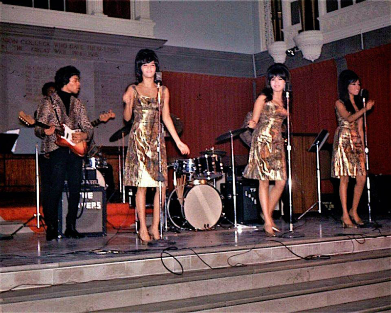 The ronettes with jimi