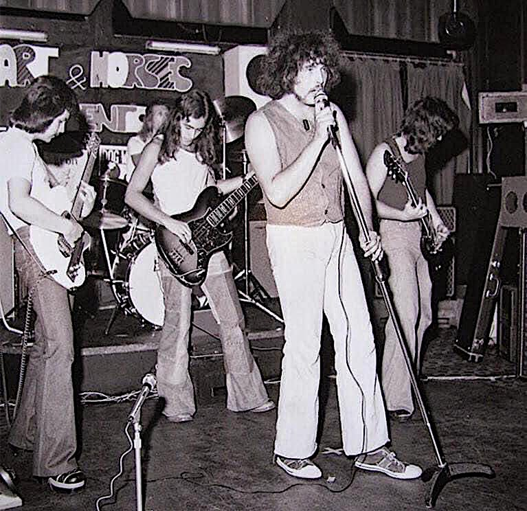 25 december 1975 paul mario day